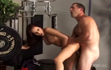 Gym instructor fucks hot model in the ass